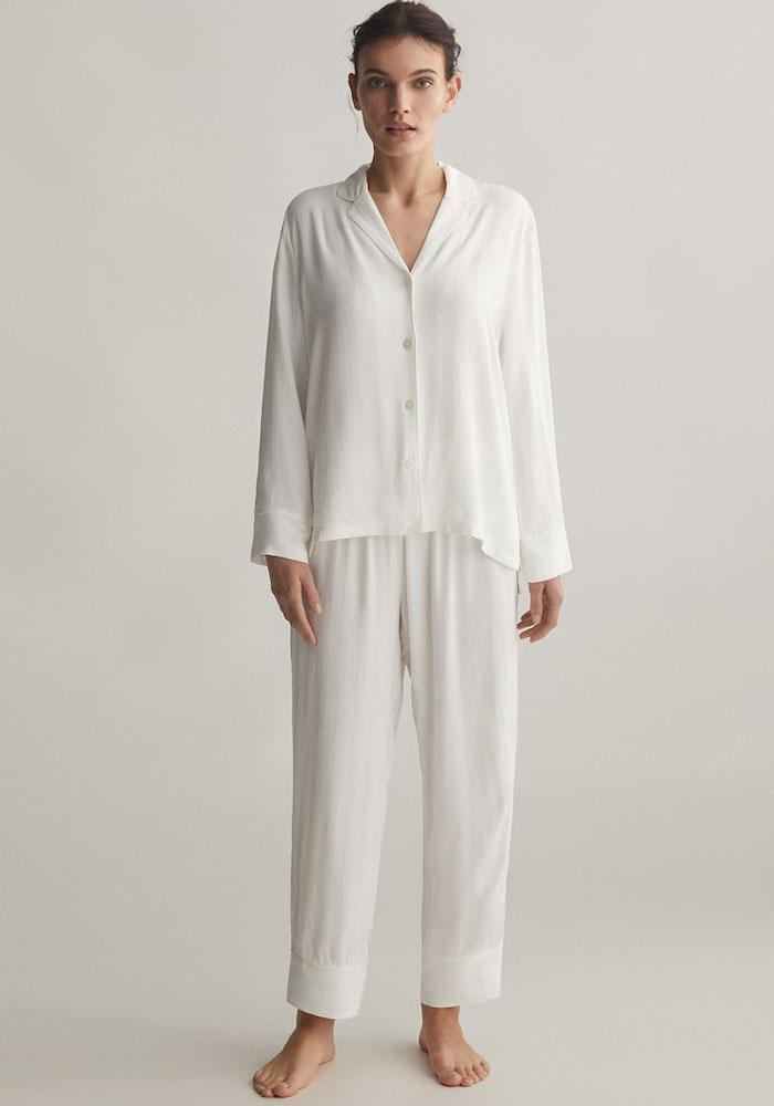 white pyjama set oysho