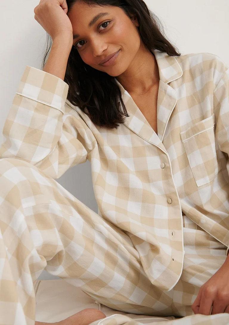 beige pyjamas