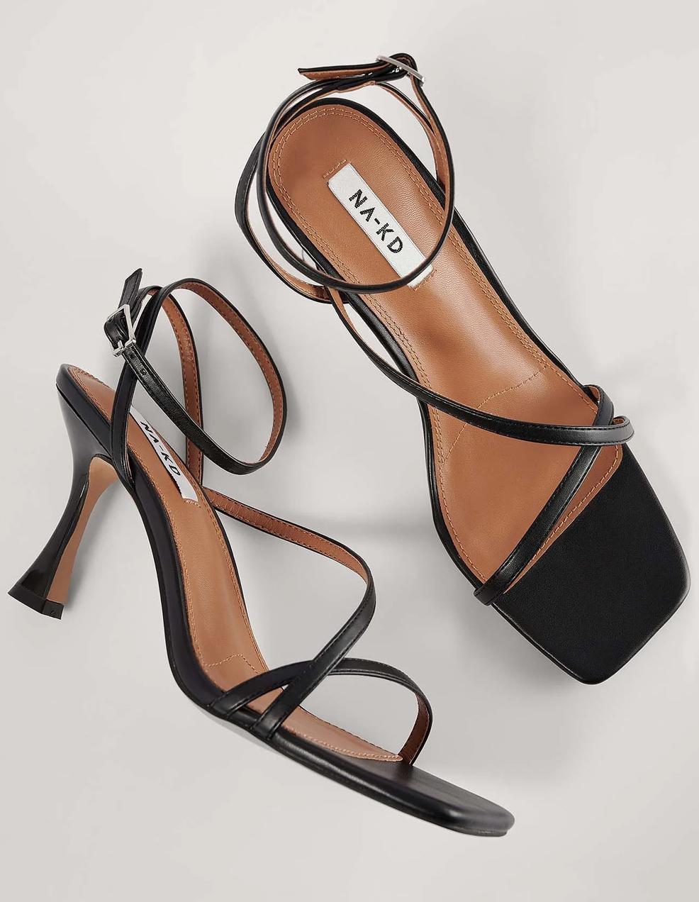 black strappy sandals 2021
