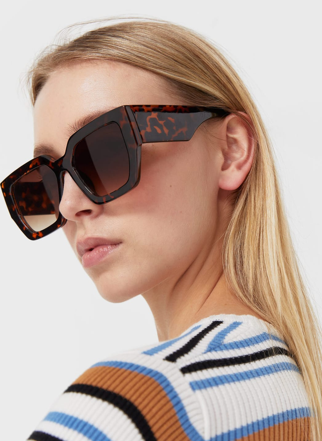 brown squer sunglasses