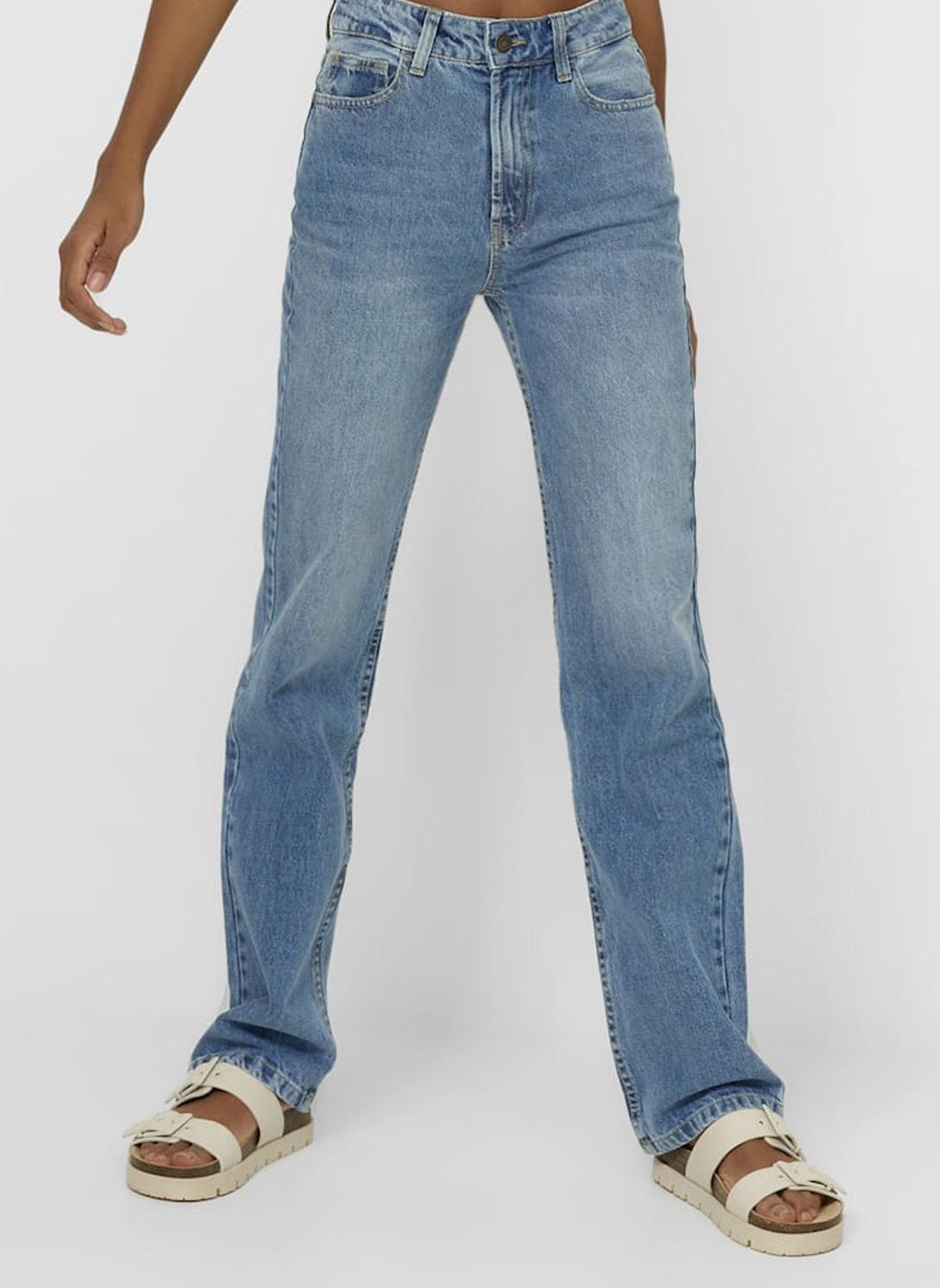striaght fit jeans woman
