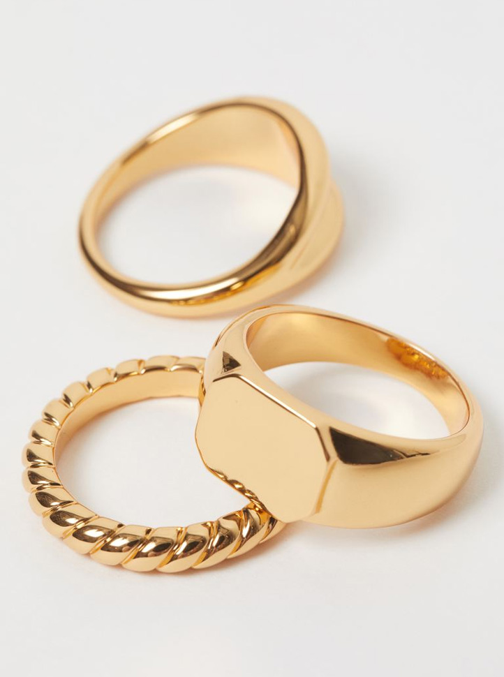 pack of gold pleated rings