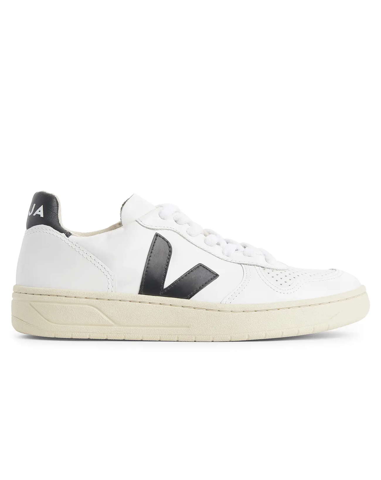 sneakers trends for autumn 2021